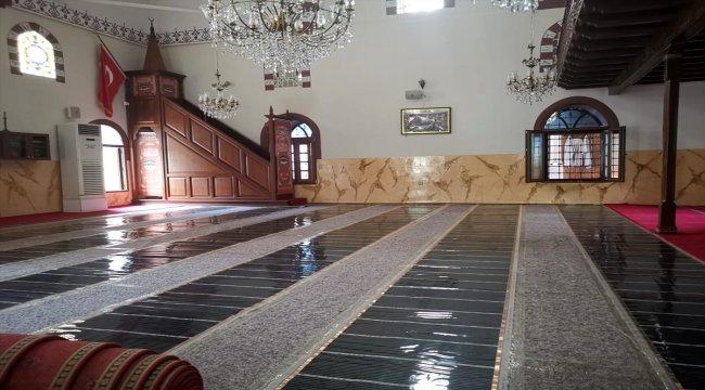 Gebze'de bir hayırsever tarihi caminin iç mekan restorasyonunu yaptırdı