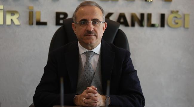"""Başkan Sürekli; """"İzmir, Cumhuriyet tarihinin mihenk taşıdır!"""""""