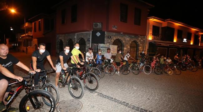 Otomobilsiz Kent Günü'nde Efes Selçuk sokakları bisikletliler için kapandı