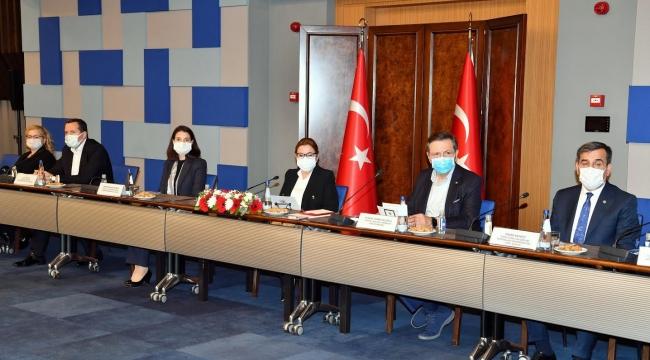TOBB'dan İzmir'e yeni okul desteği