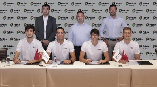 Petkimspor, altyapıdan yetiştirdiği 4 oyuncusuyla profesyonel sözleşme imzaladı